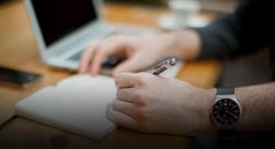 discutir projecto com cliente e patronos